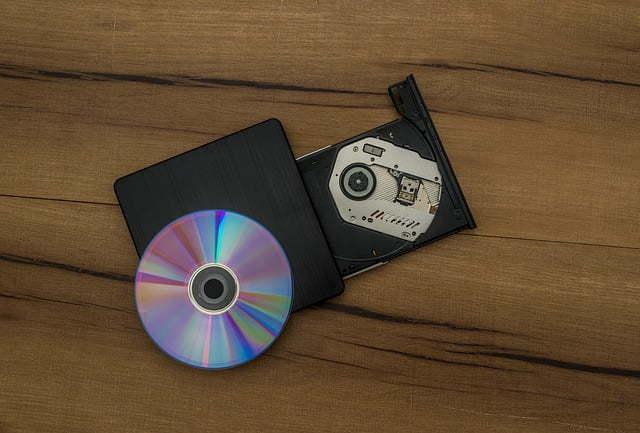 Burn files onto a CD with Windows XP